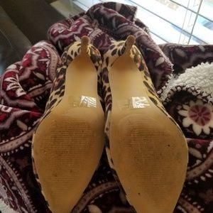 Ollio Shoes - Like new Cheetah print heels!!